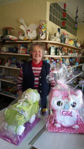 Helga Kottmeier in ihrem Geschäft